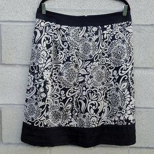 Ann Taylor Black & White Skirt Size 14